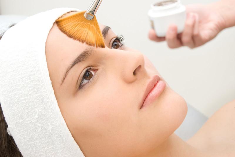 Peelings químicos para mejorar el aspecto y la tersura de la piel