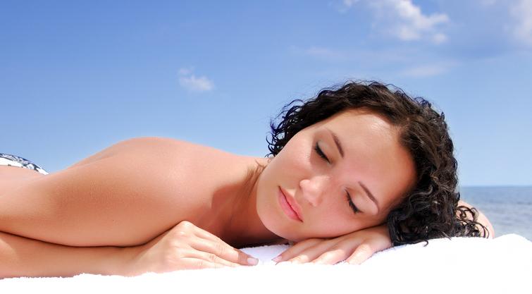 La mamoplastia de aumento y el sol